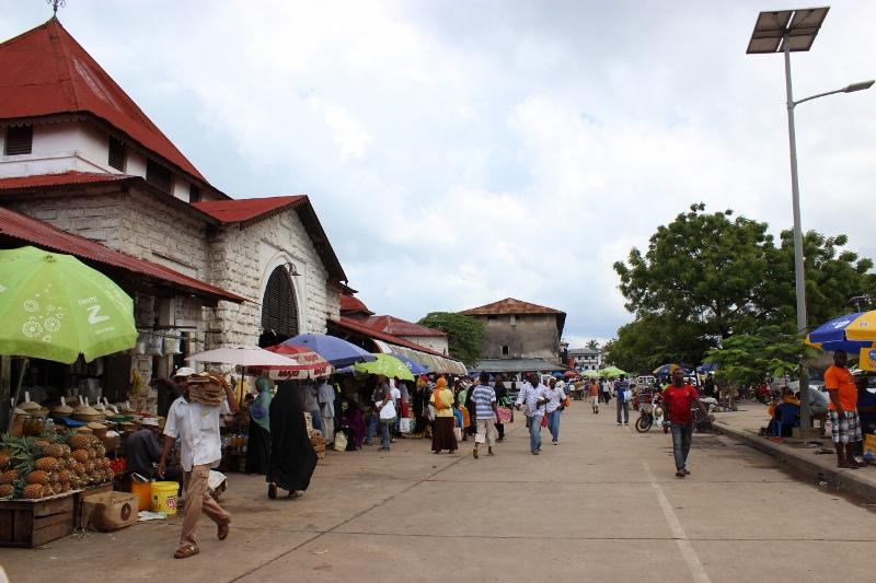 Zanzibar Market Tour, Cooking Class and Cocktails Lesson