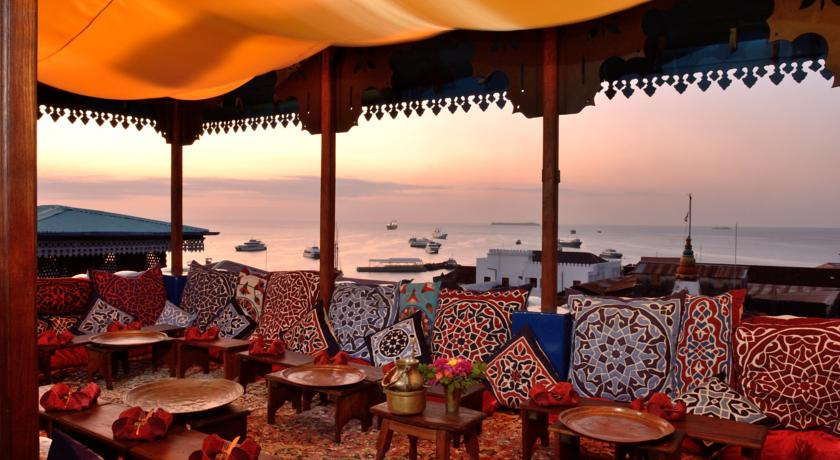 Hurumzi Tower Top Restaurant Buffet Dinner and Forodhani Fish Market Night Tour