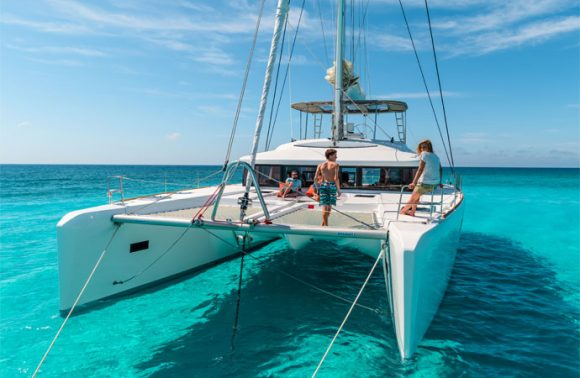 Catamaran Tour from Sea Cliff with Snorkeling