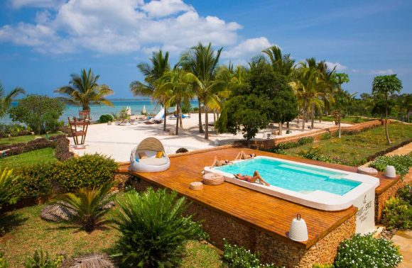 Romantic Sundowner at Fruit & Spices Resort